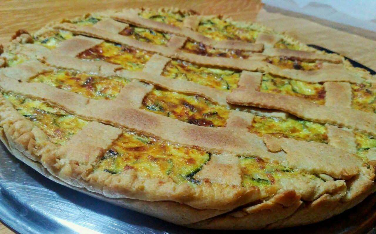 Crostata salata di zucchine, con pasta brisèe al vino e senza burro!