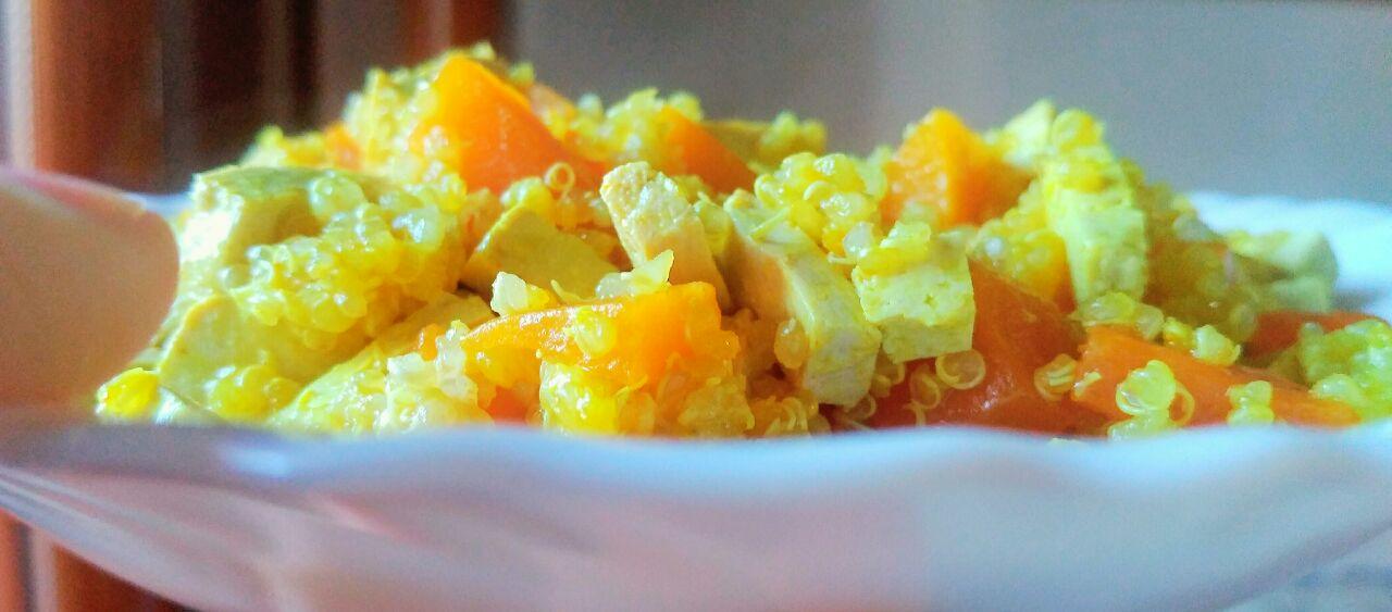 Quinoa con zucca e tofu