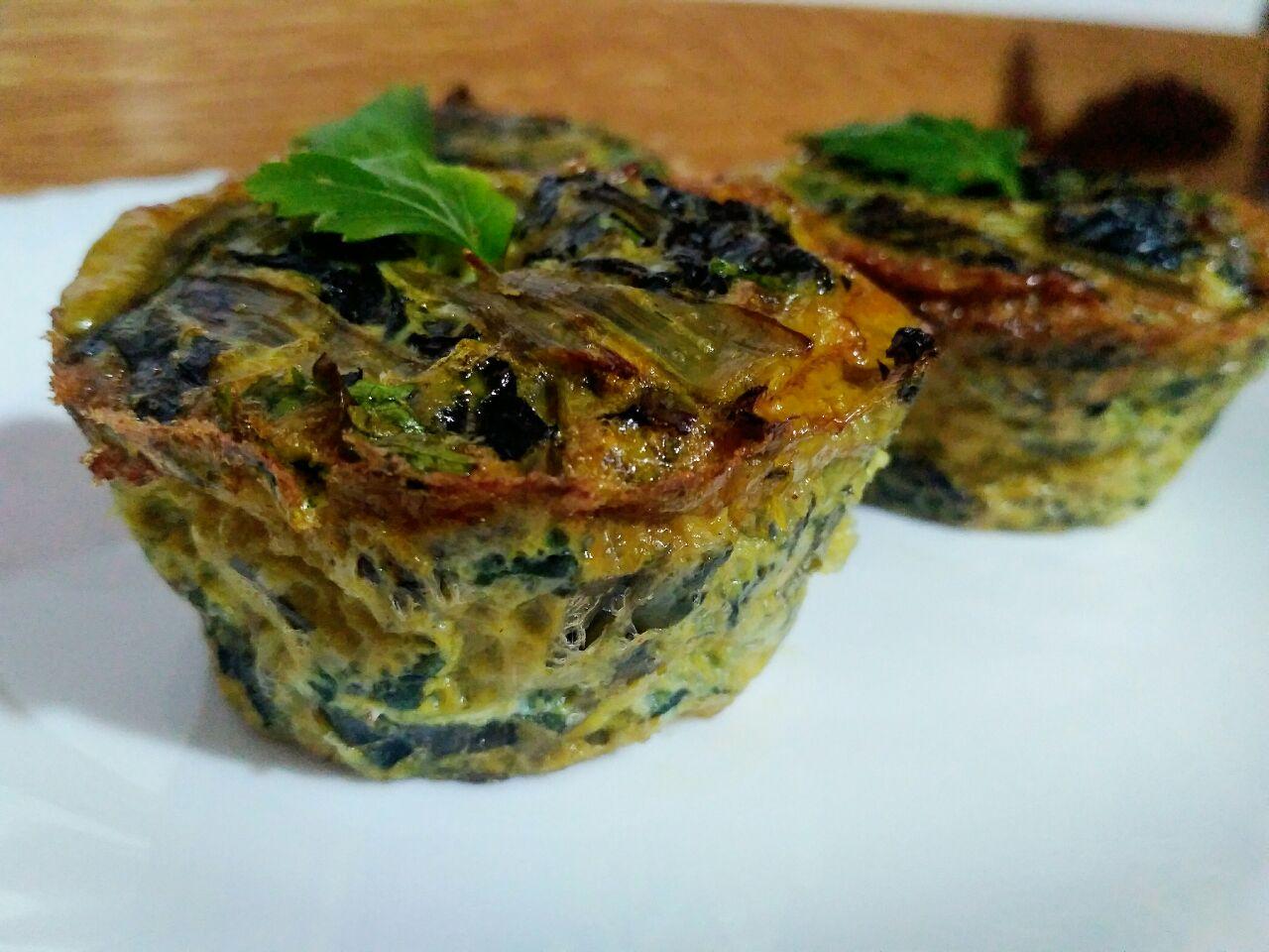 Finger food: sformatini di bietole con capperi, olive e prezzemolo
