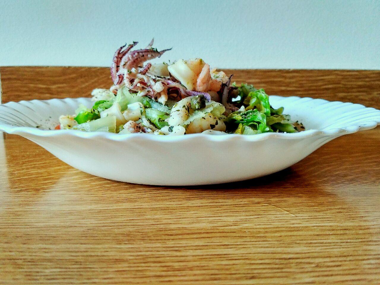 Secondi leggeri: calamari e gamberetti con scarola