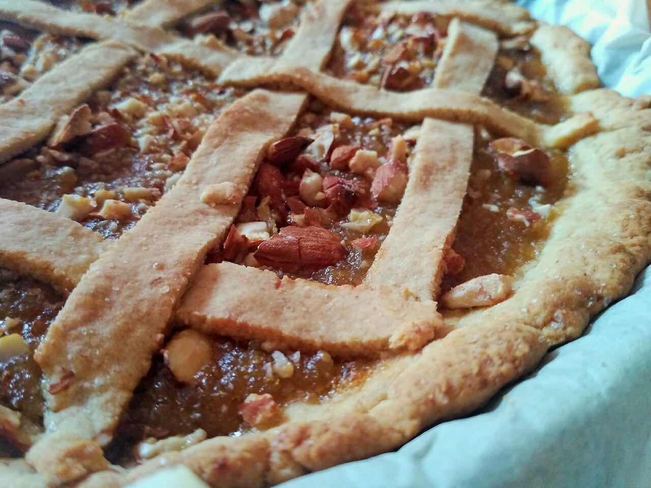 Dolci senza uova: crostata con marmellata di pere e mandorle!
