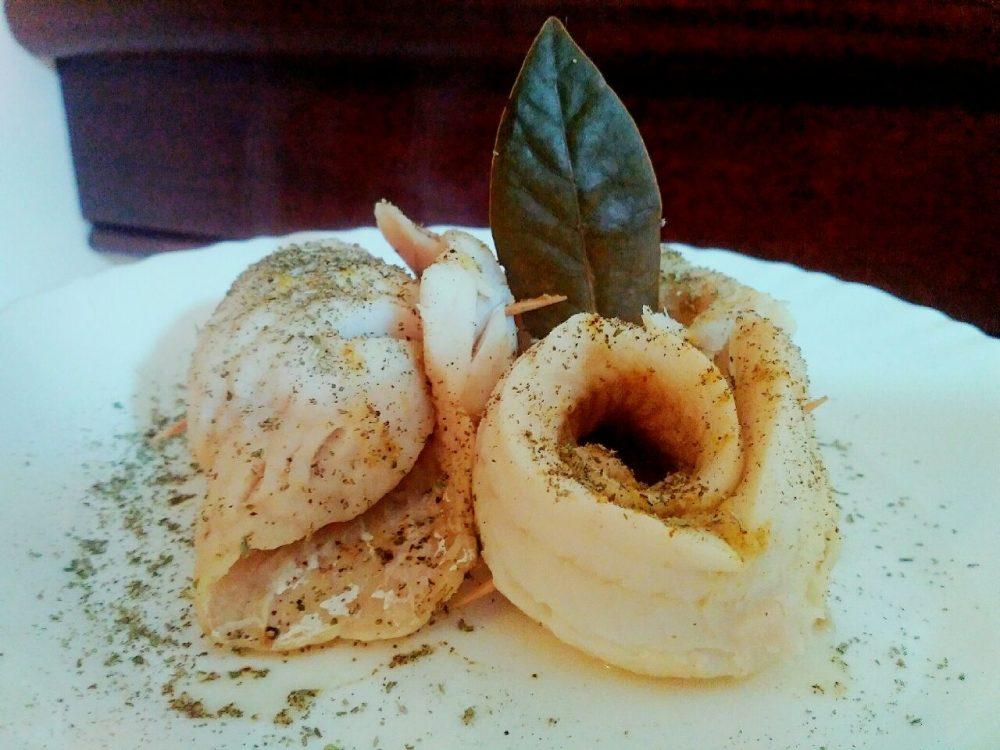Secondi piatti: involtini di filetti di merluzzo in padella