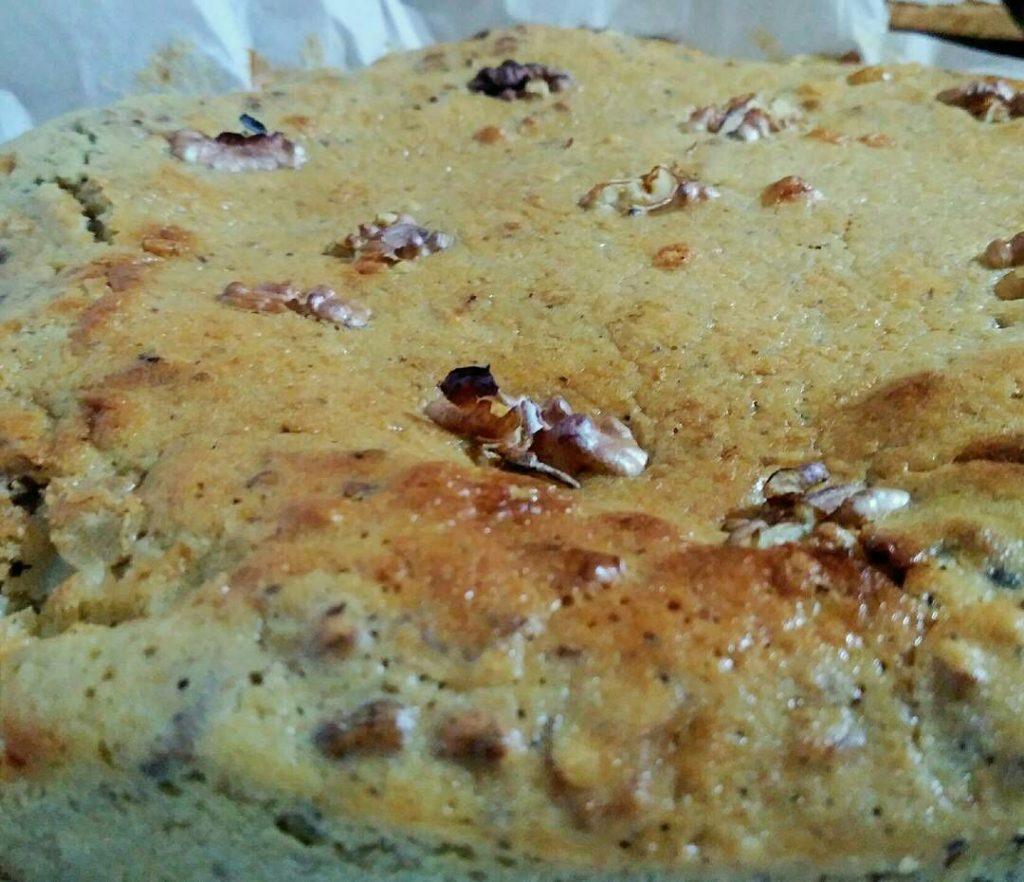 Dolci senza burro: torta al latte di riso con noci e cioccolato fondente
