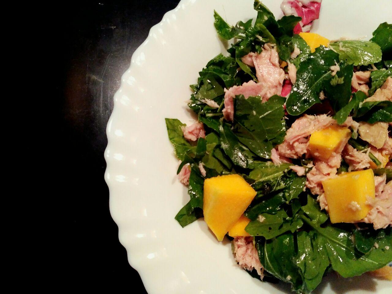 Ricette primaverili: insalata di mango e filetti di tonno all'olio d'oliva!