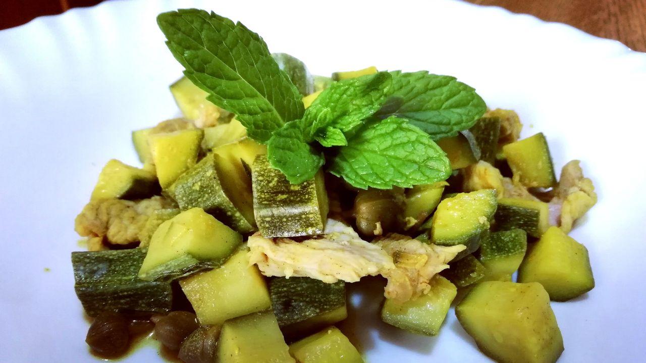 Secondi piatti di carne: sovracoscia di tacchino con zucchine in padella!