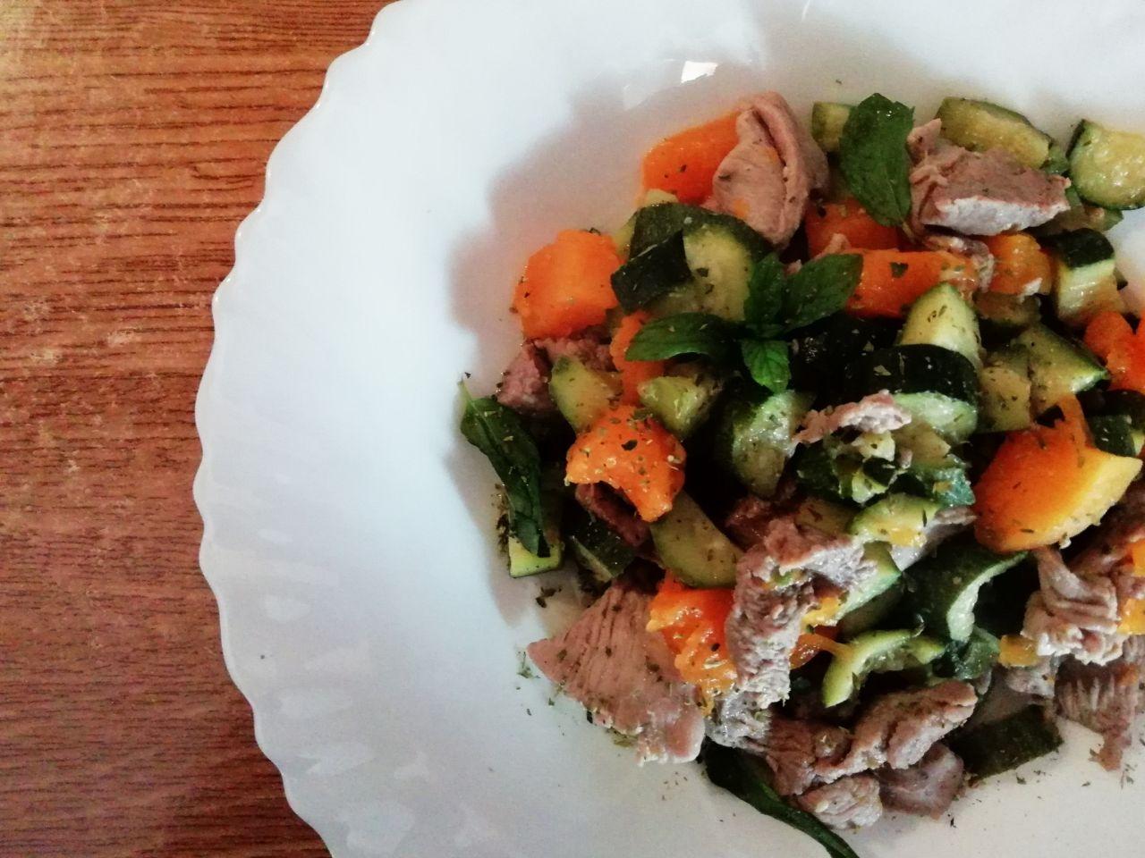 Secondi piatti a base di carne: straccetti di tacchino alle verdure!