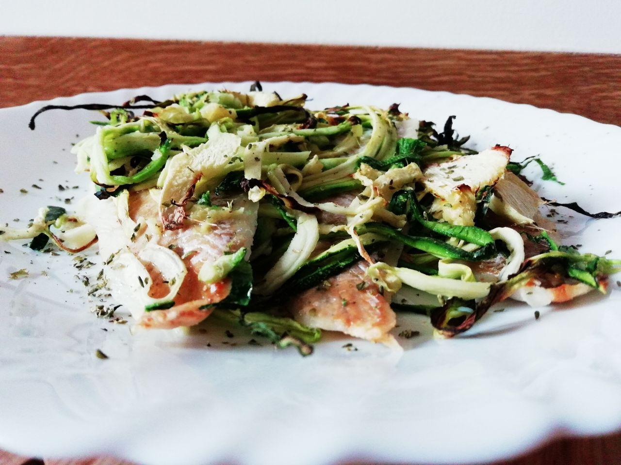 Secondi piatti economici: merluzzo al forno con zucchine e zenzero!