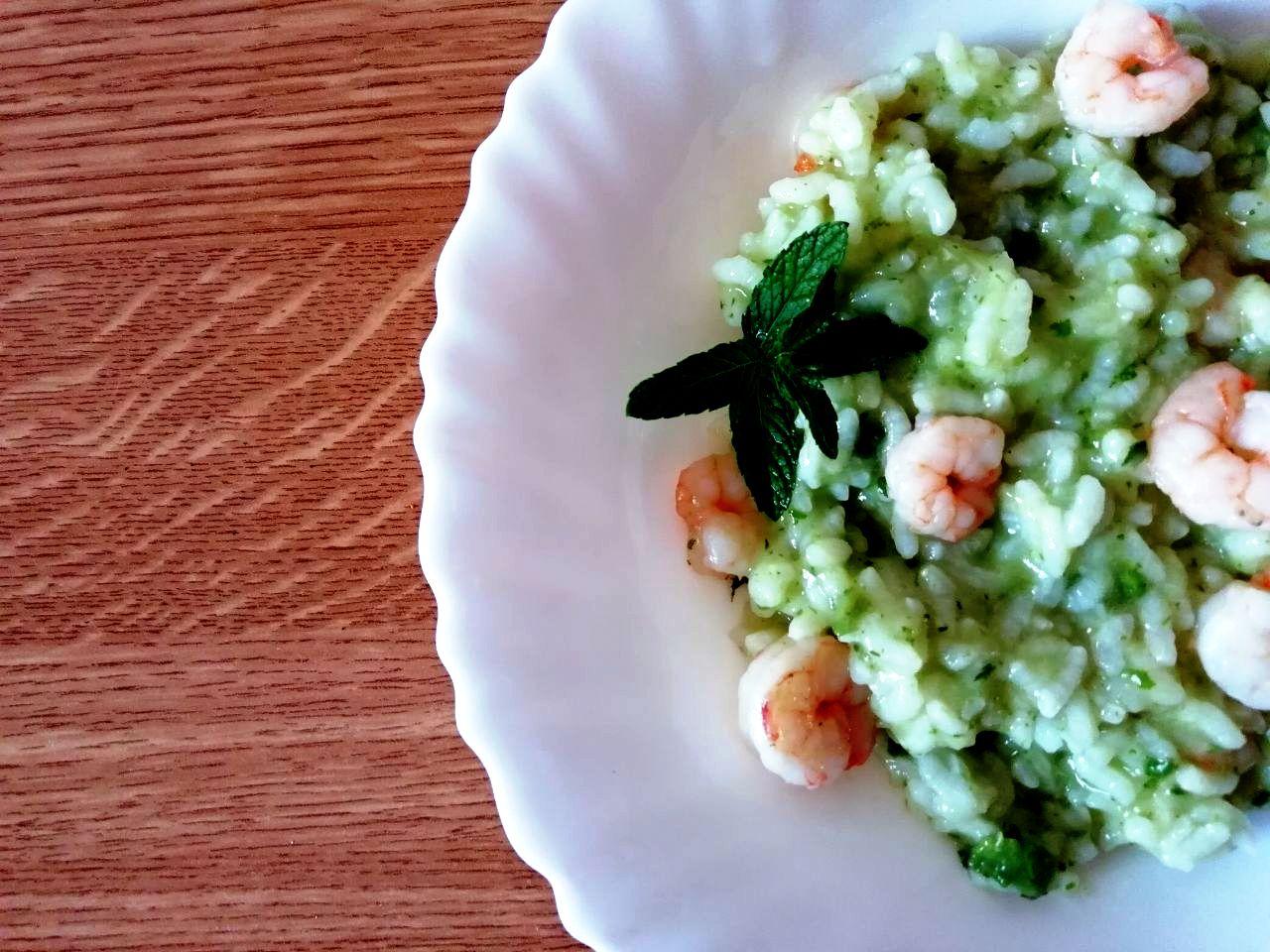 Primi piatti primaverili: riso Carnaroli alla crema di zucchine e gamberetti!