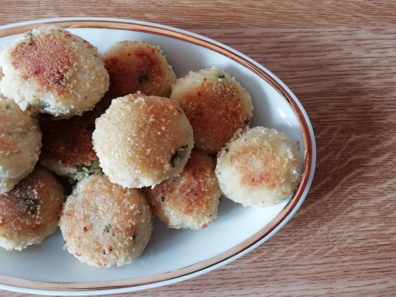 Antipasti economici: polpette di patate, senza formaggio e senza uova!