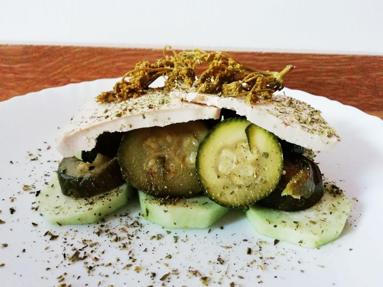 Ricette light: millefoglie di zucchine, tofu e cetriolo