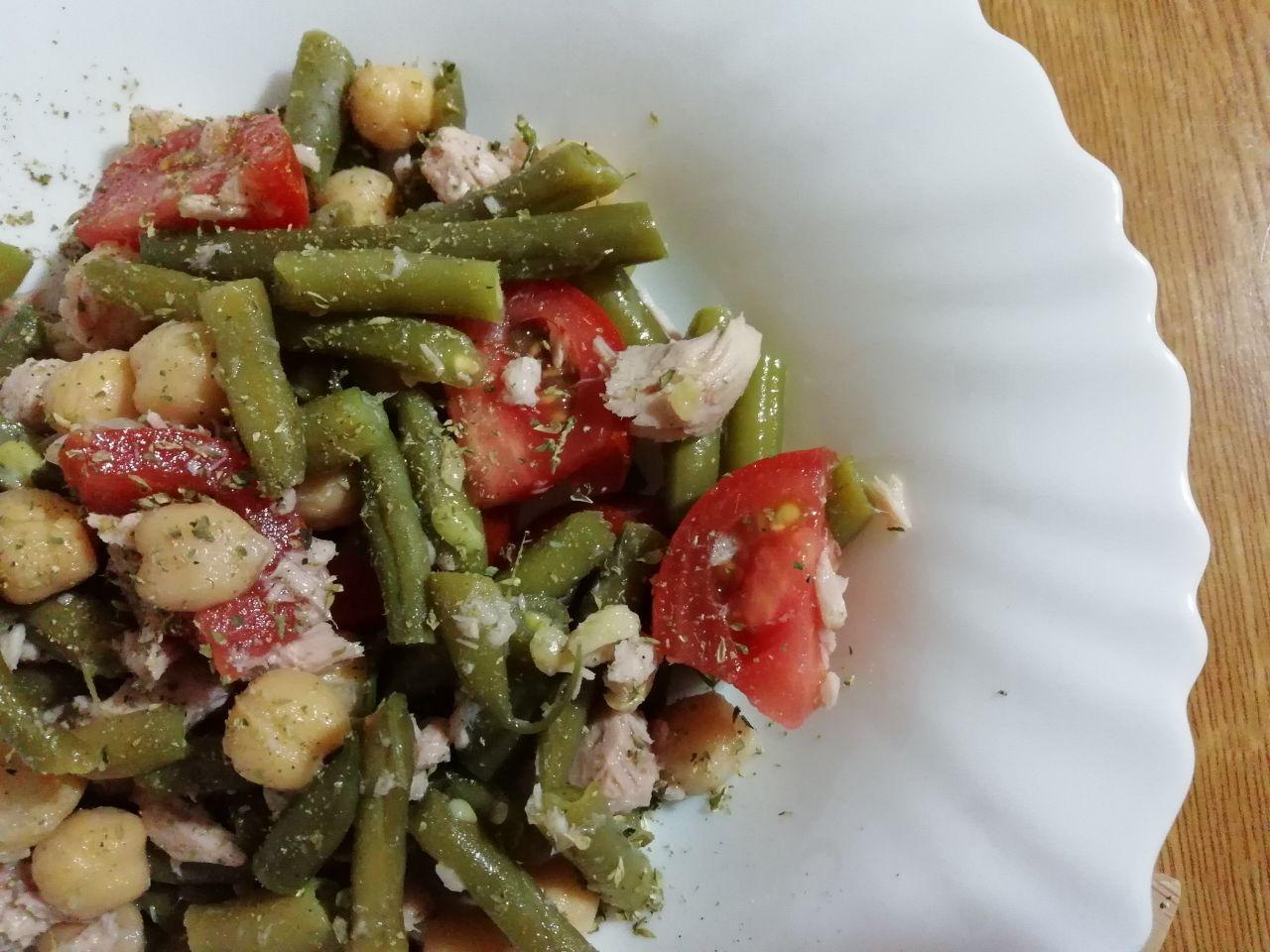 Piatti unici senza glutine: insalata di ceci, tonno e fagiolini!