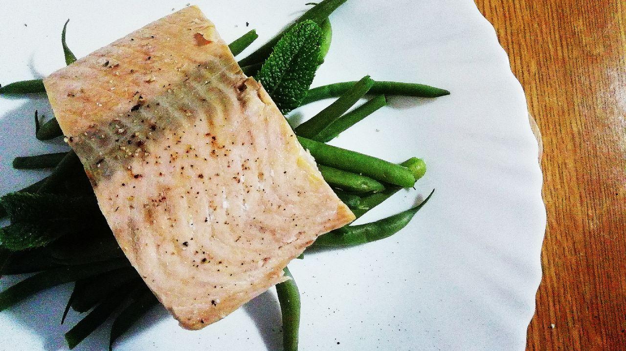 Secondi piatti a base di pesce: trancio di salmone con fagiolini!