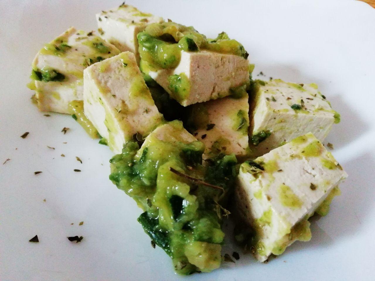 Ricette vegetariane: tofu al pesto di zucchine!