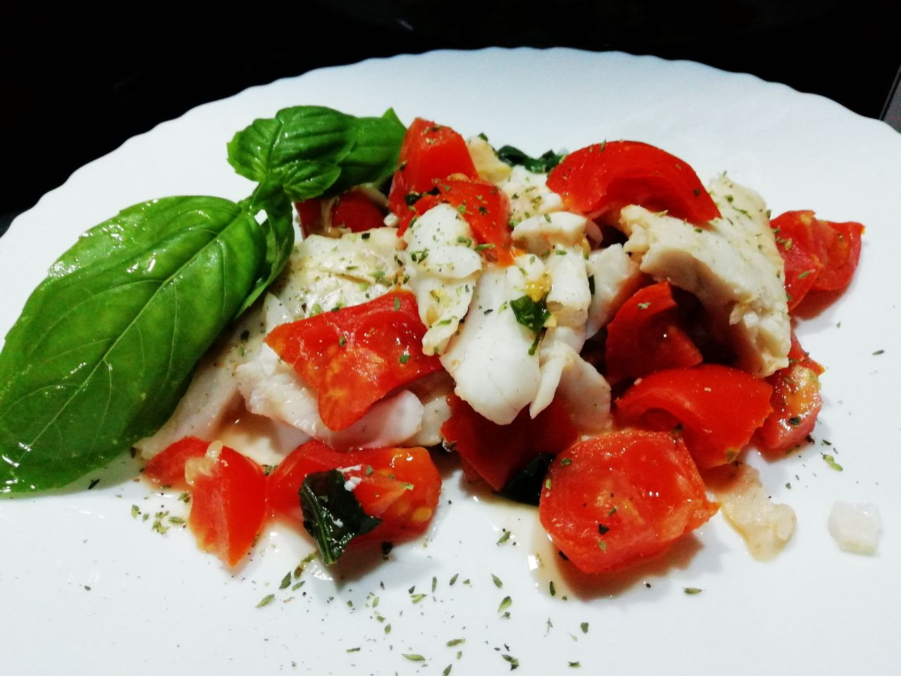 Secondi piatti a base di pesce: merluzzo in umido al pomodoro!
