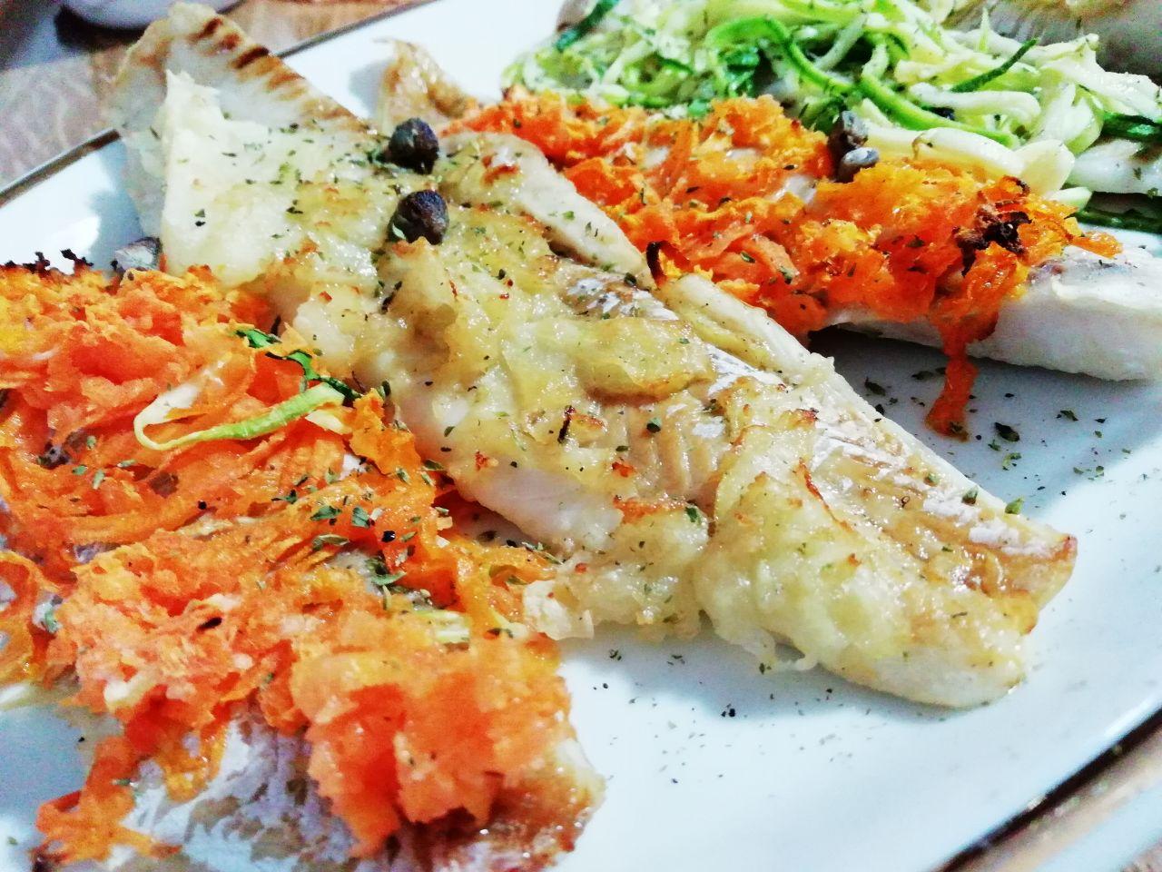 Secondi piatti a base di pesce economici: merluzzo al forno alle verdure!