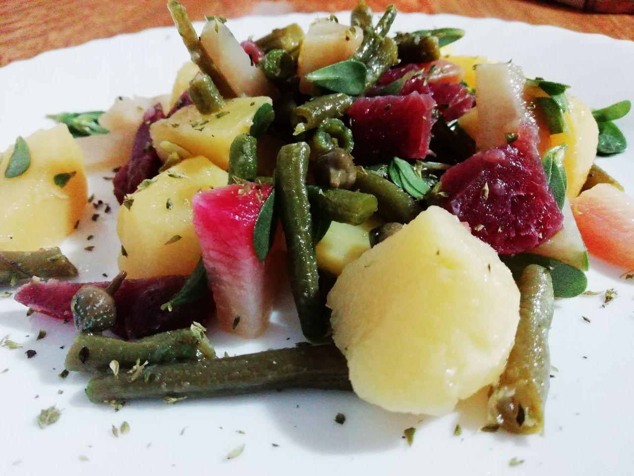 Ricette estive gluten free: insalata di patate, fagiolini, barbabietole e bresaola!