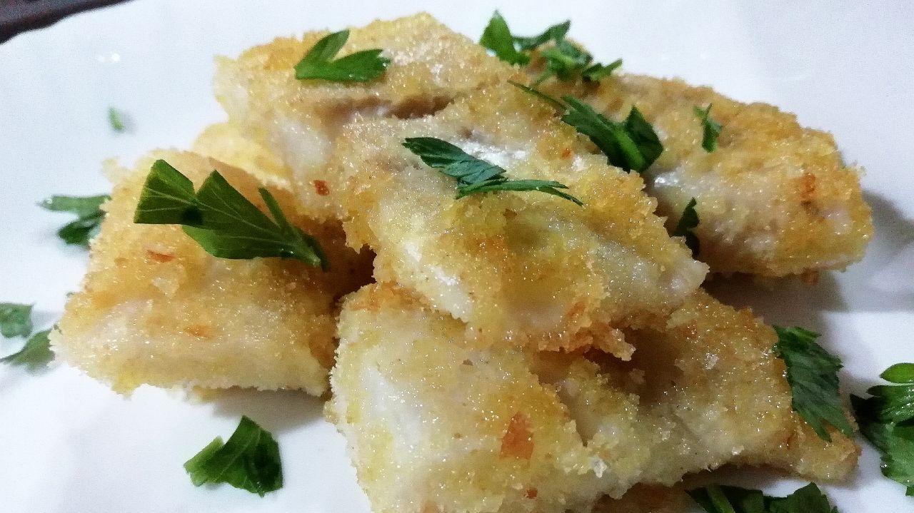 Secondi piatti a base di pesce: bocconcini di merluzzo croccanti in padella!