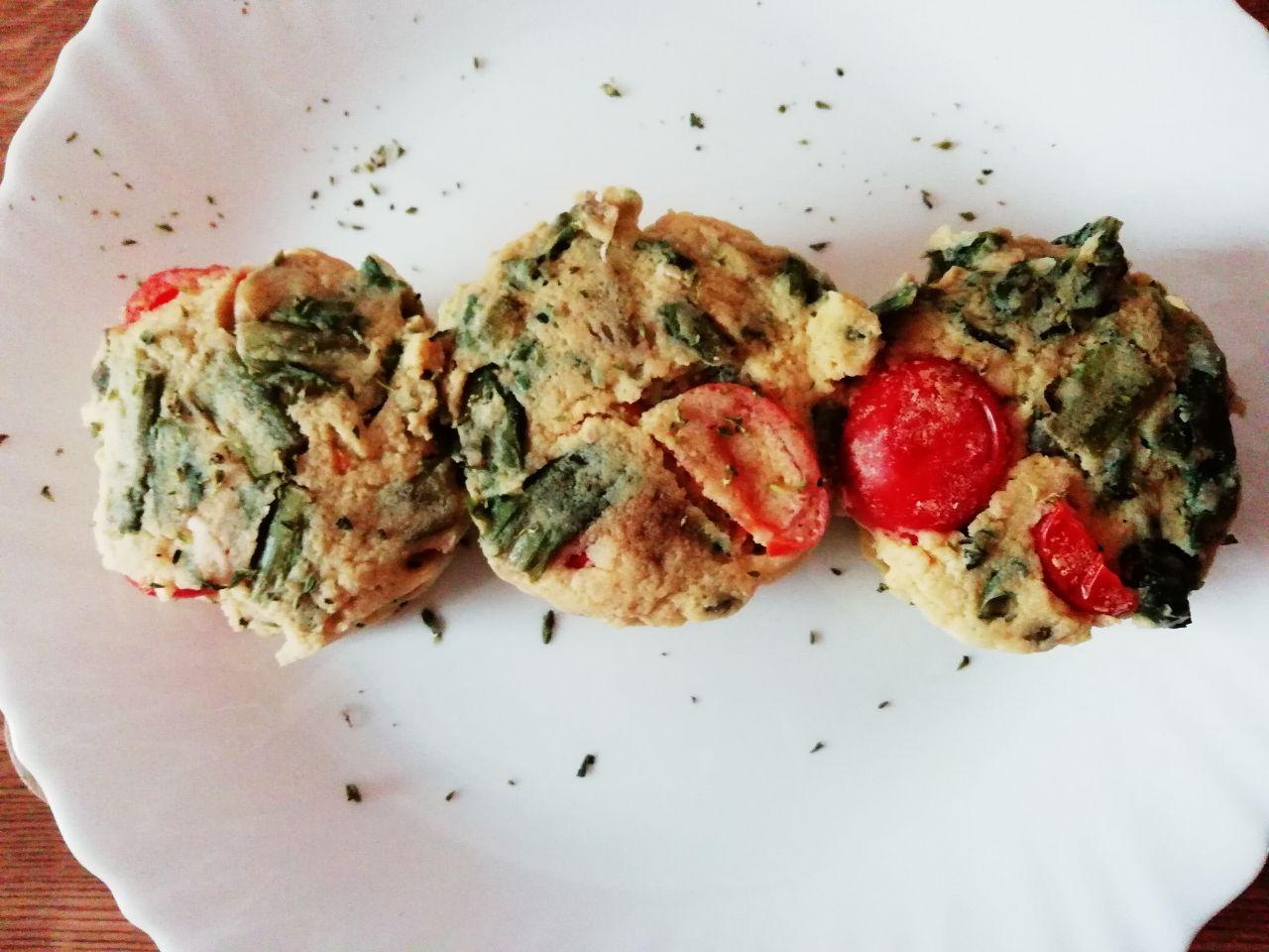 Antipasti vegetariani: tortini di ceci e indivia riccia al vapore!