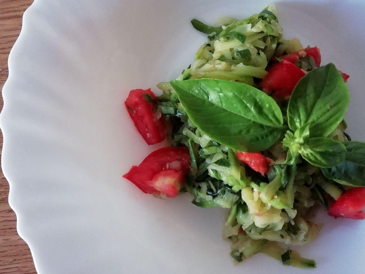 Insalate di verdure: a base di zucchine e pomodori!