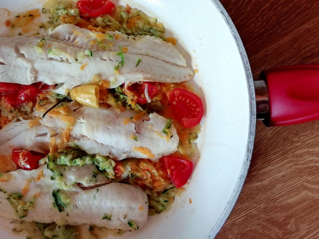 Secondi piatti a base di pesce: merluzzo con zucchine e carote al peperoncino!