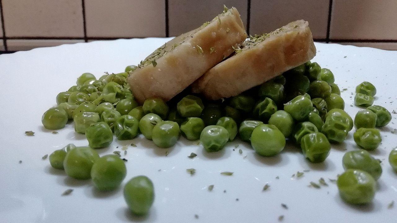 Secondi piatti vegetariani: seitan con piselli verdi!