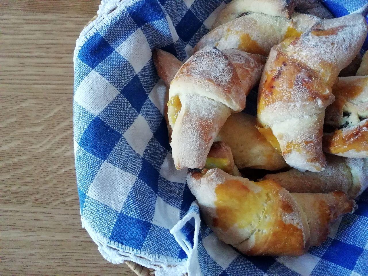 Dolci leggeri: cornetti fatti in casa senza burro e senza olio!