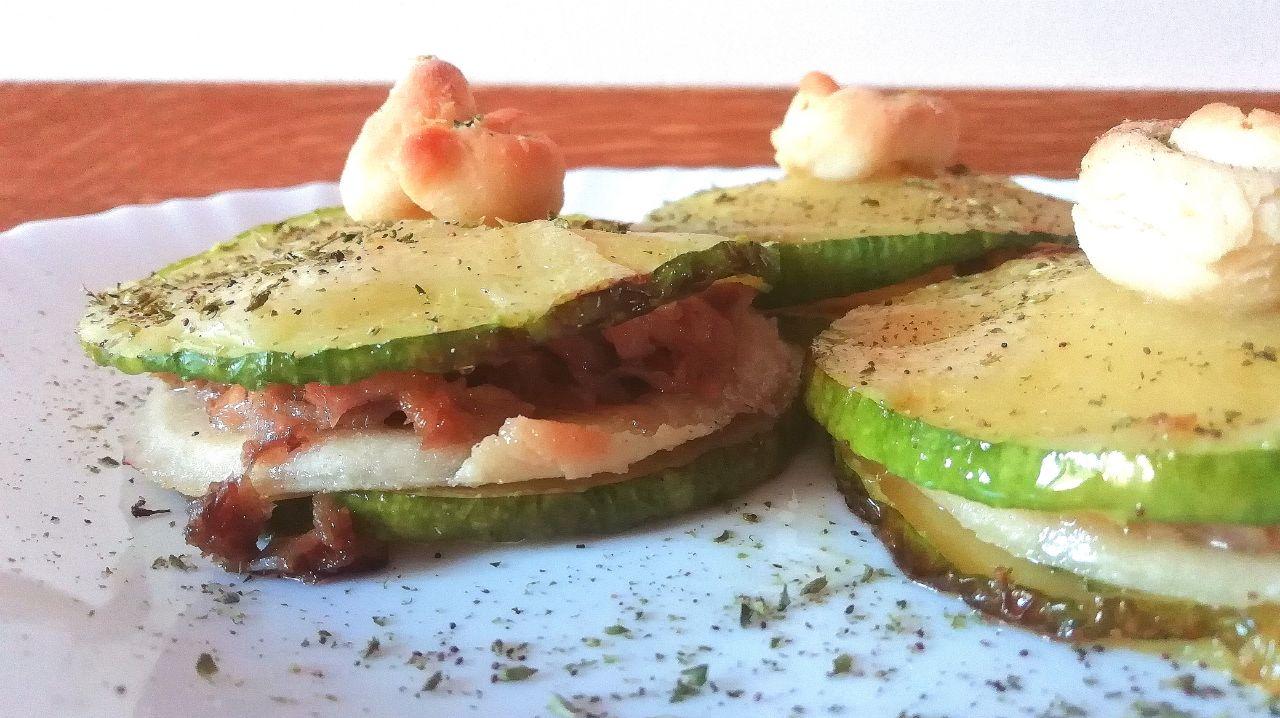Antipasti semplici ed economici: torrette di zucchine, sfoglia senza burro e tonno!