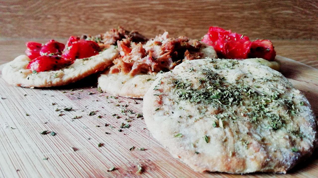 Finger food semplici ed economici: pizzette al forno senza lievito!