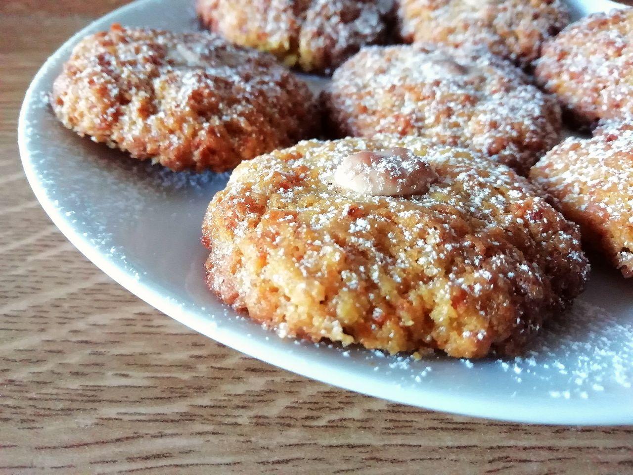 Dolci leggeri: biscotti alle carote, senza burro, con cioccolato bianco!