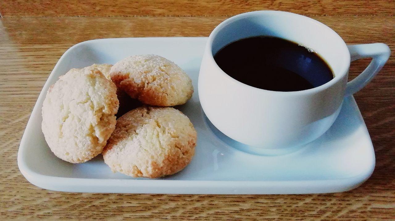 Dolci senza glutine, senza burro e senza lattosio: biscotti con farina di riso e cocco!