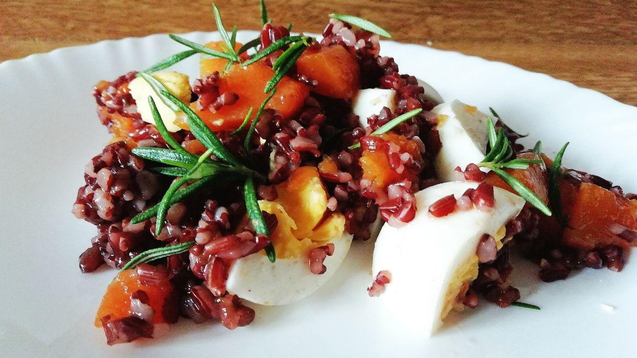 Piatti unici senza glutine: riso rosso integrale con zucca e uova sode!