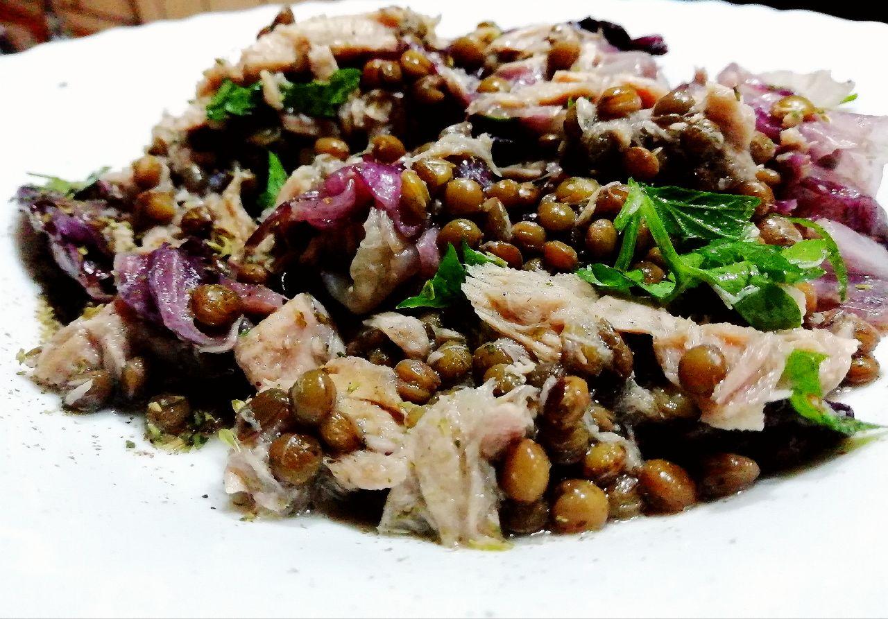 Ricette a base di legumi: insalata tiepida di lenticchie e filetti di tonno!
