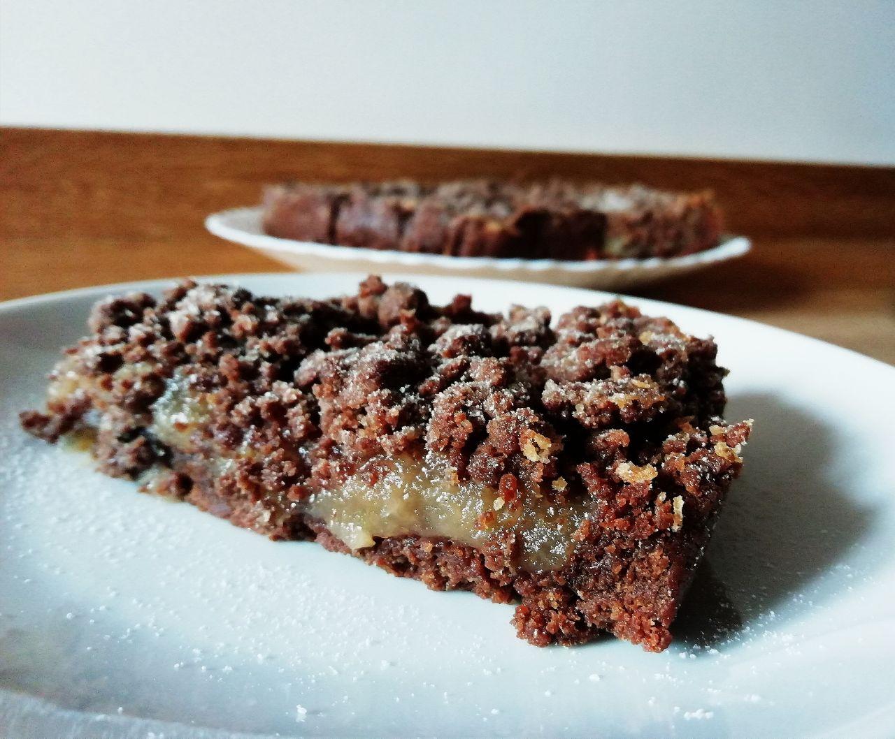 Dolci autunnali: torta sbrisolona al cioccolato con marmellata di mele cotogne, senza burro e senza lattosio!