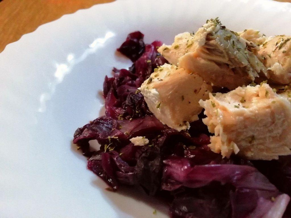 Secondi piatti a base di pesce: bocconcini di salmone al radicchio!