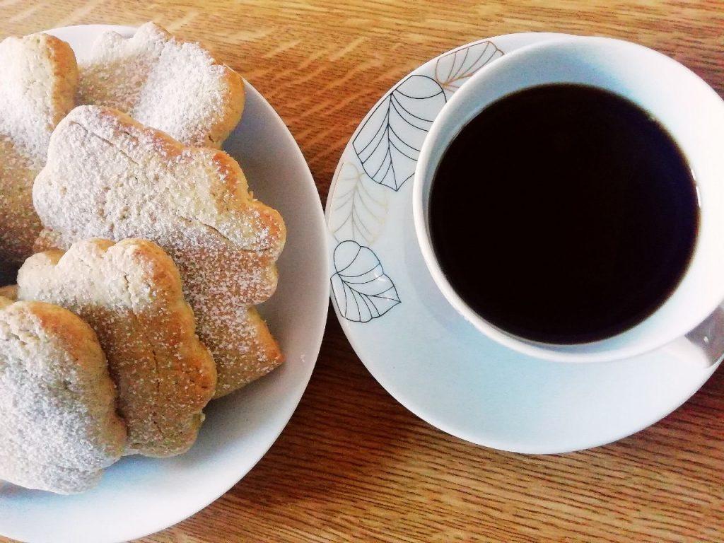 Dolci senza burro e senza lattosio: biscotti alla cannella con zucchero di canna e olio evo!