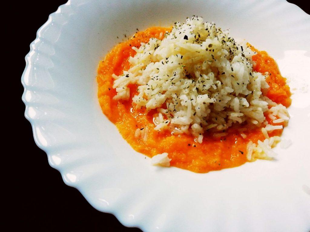Primi piatti gluten free: riso basmati su crema di zucca, senza latte senza burro e senza formaggio!