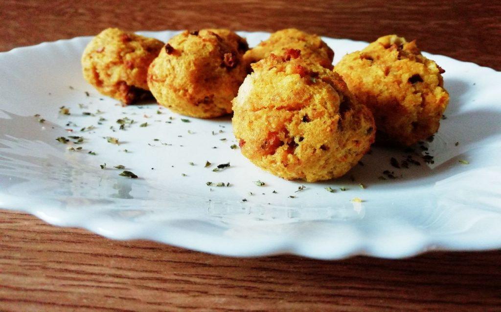 Antipasti economici senza latte e senza formaggio: polpettine di pane alla curcuma!