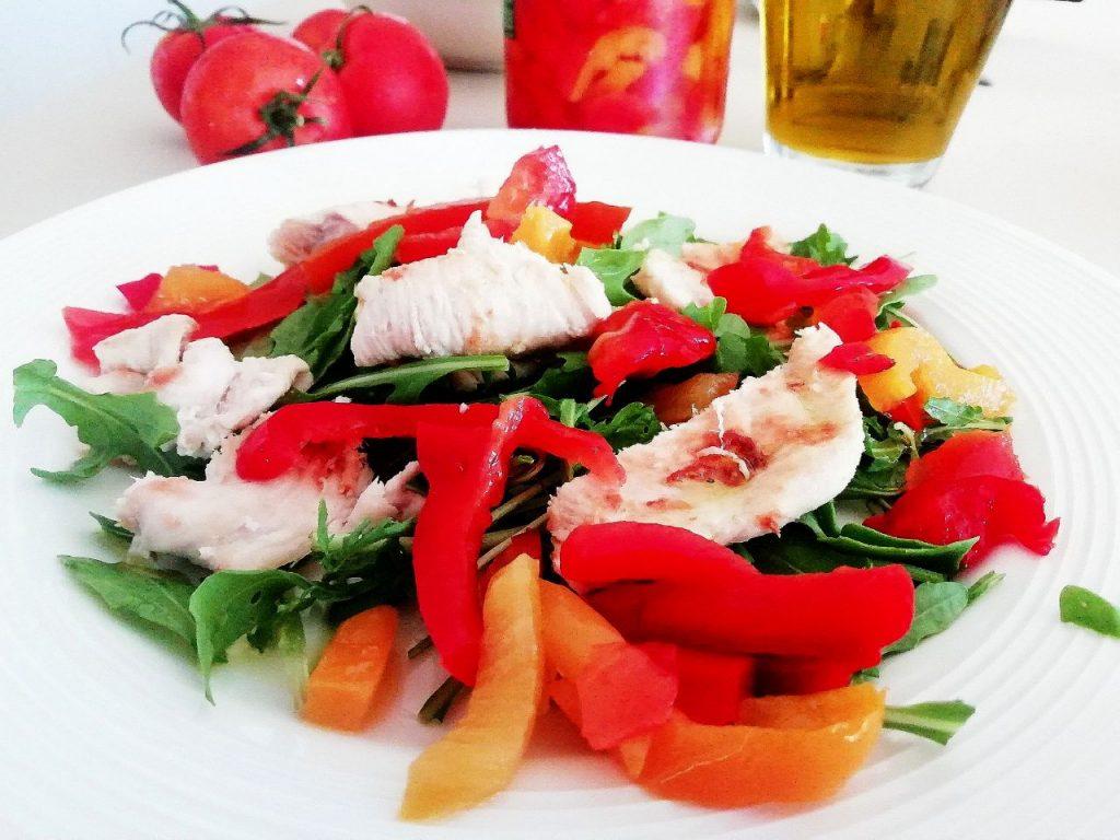 Secondi piatti a base di carne: pollo ruspante al limone con rucola e peperoni!
