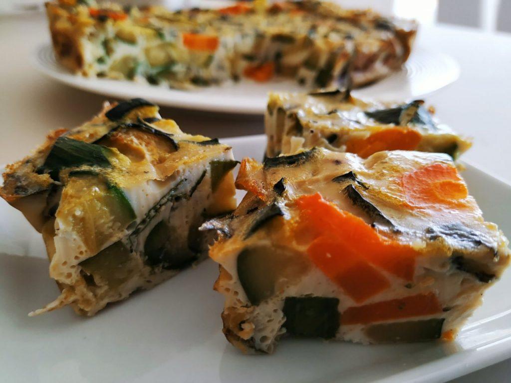 Antipasti veloci senza burro e senza formaggio: frittata al forno con zucchine carote e menta!