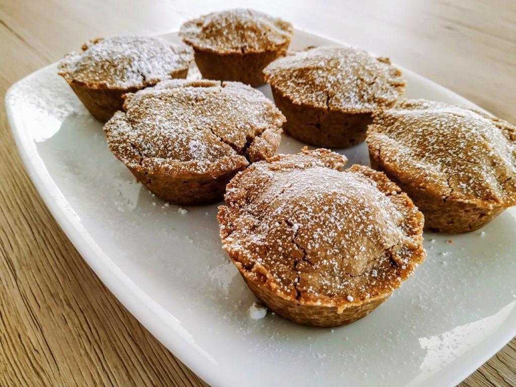 Dolci senza burro senza glutine e senza lattosio:tortini con frolla di farina di riso al caffè e crema di pura mandorla!