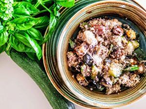 Primi piatti a base di pesce senza glutine e senza lattosio: cous cous di grano saraceno con cozze e zucchine!