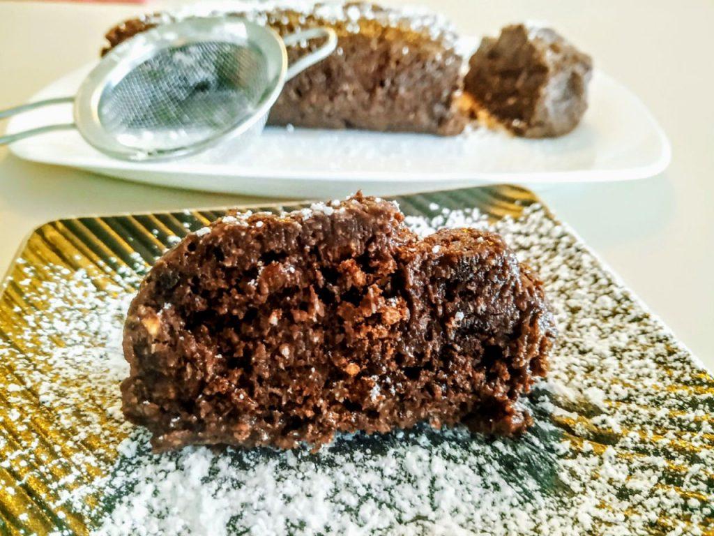 Dolci senza burro e senza cottura: salame dolce con biscotti al cioccolato zucchero di canna yogurt e cocco rape'