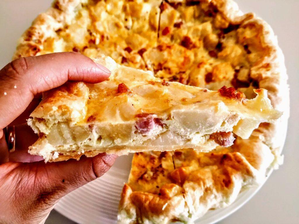 Ricette economiche senza formaggio quiche di patate e pancetta per un antipasto economico e saporito