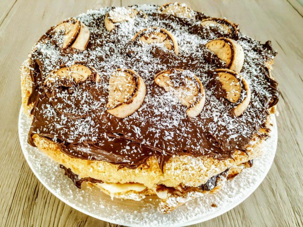 Dolci golosi semplici e facili torta pan di spagna con crema pasticcera torrone crema alle nocciole e cocco rapè